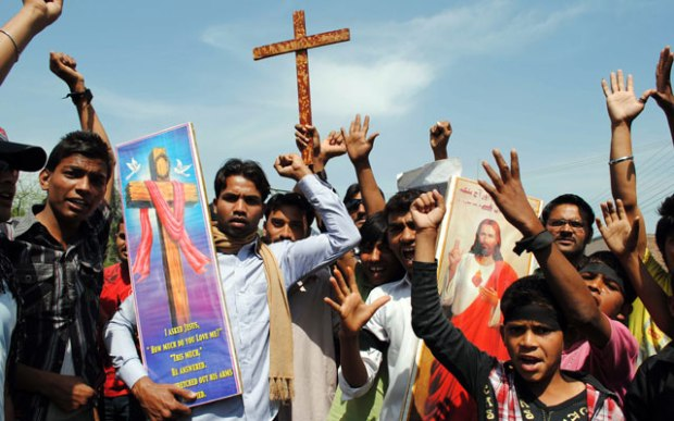 Muslim In Pakistan Slits a Christian's Throat As Police Watch